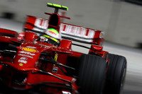 Massa slings Ferrari to Singapore pole