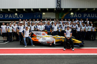 Alonso and Piquet to stay on at Renault