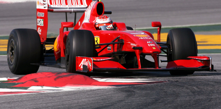 Raikkonen tops in Spain, Hamilton plays the Palace