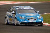MacDowall takes maiden series pole at Snetterton