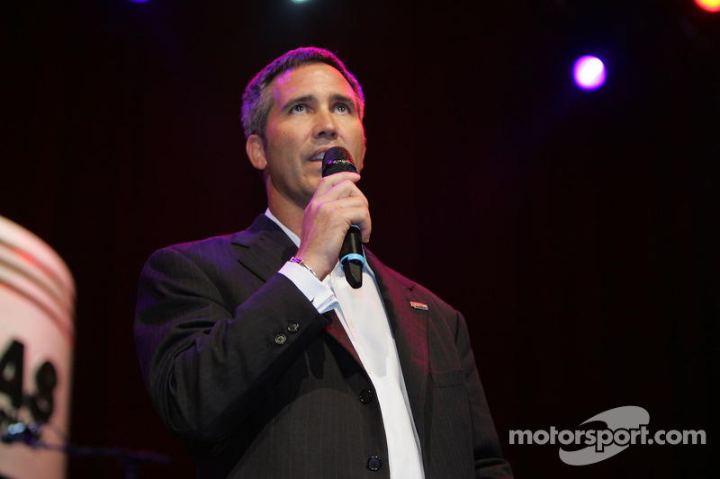 IndyCar news and notes 2011-03-02