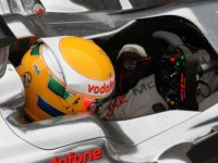 Hamilton reinforced commitment to McLaren in meeting