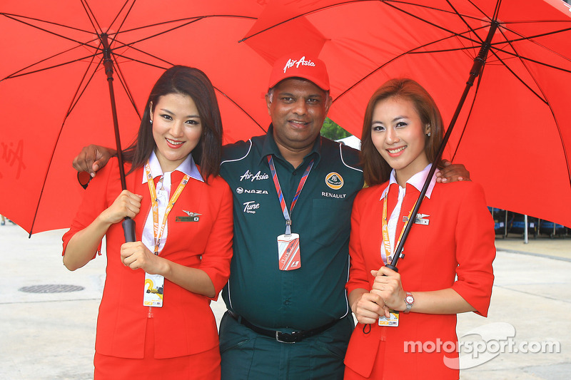 Team to keep 'Lotus' chassis name - Fernandes