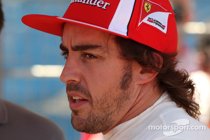 Alonso Also Working Towards Pilot's Licence