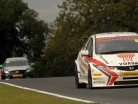 Home hero Shedden takes Race 2 at Knockhill