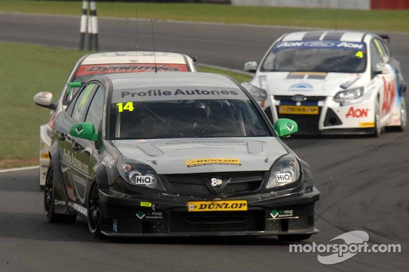 Triple 8 Race Engineering ready for Rockingham