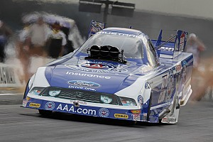 Robert Hight takes the Funny Car win at Maple Grove