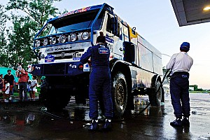 Dakar Kamaz still favorite for 2012 truck class