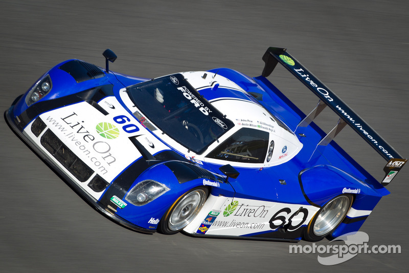 Negri, McNish and Fords lead Datyona 24H at hour 22