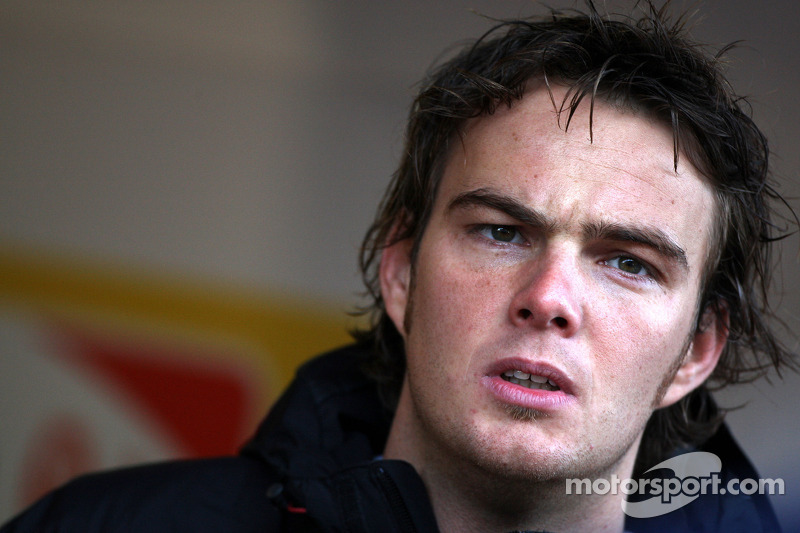Caterham signs Friday driver van der Garde