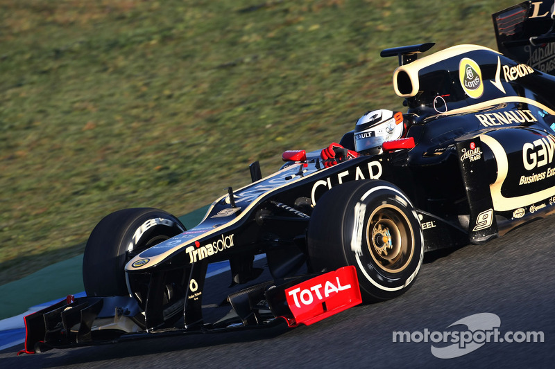Lotus' new driver Raikkonen tops day one in Jerez pre-season test