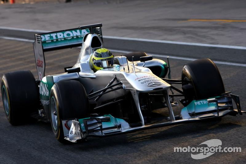 Early start for Mercedes' Barcelona test