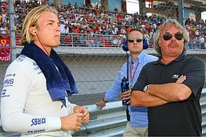 Formula 1 Rosberg's father says Mercedes delay 'a risk'