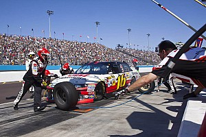 Biffle and fellow Ford drivers comment on Phoenix race