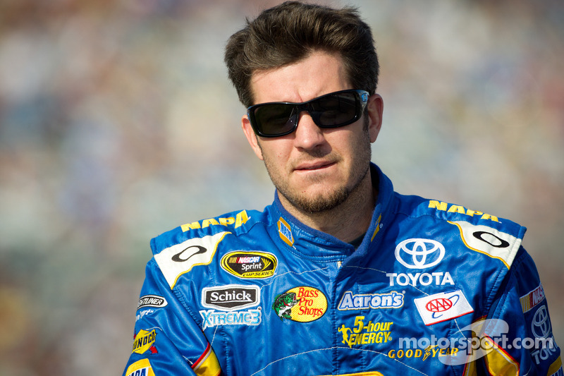 Truex looks to continue strong start at Las Vegas