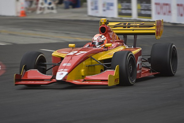 Saavedra grabs pole while Vautier lands in Long Beach tire wall