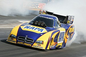 NHRA Don Schumacher Racing dominates Bristol, Edwards wins fourth straight Bristol title in a dead heat