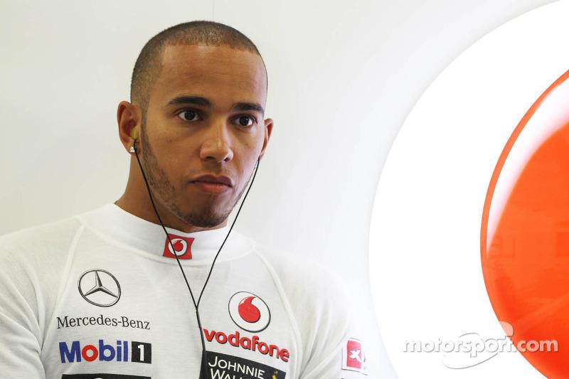 Hamilton 'ready' for Lotus amid McLaren crisis