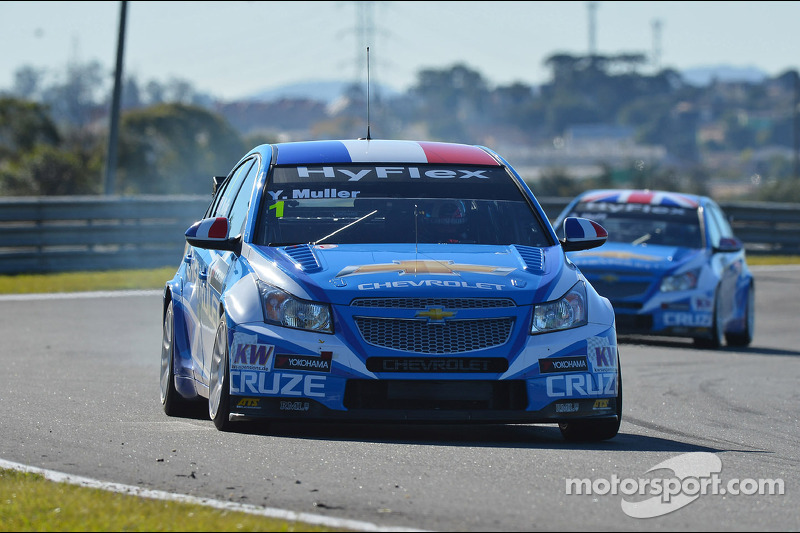 Yvan Muller leads Chevrolet qualifying sweep at Curitiba