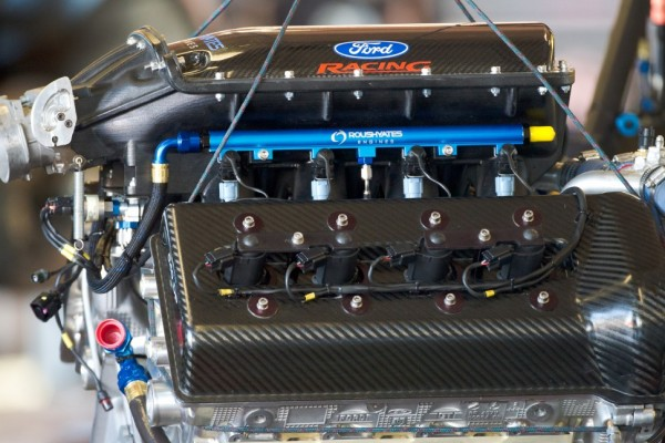 Penske racing to use roush yates engines in 2013 nascar for What motor does nascar use