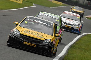 BTCC Race report Three races with different winners at Snetterton
