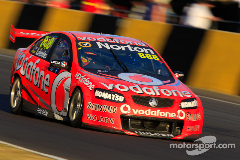 Lowndes takes first spoils at Sidney Motorsport Park
