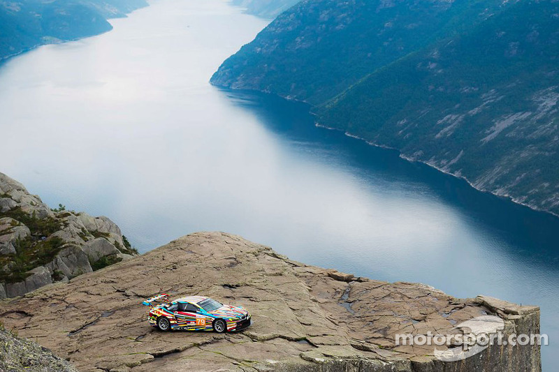 Awesome BMW Art Car video and photo