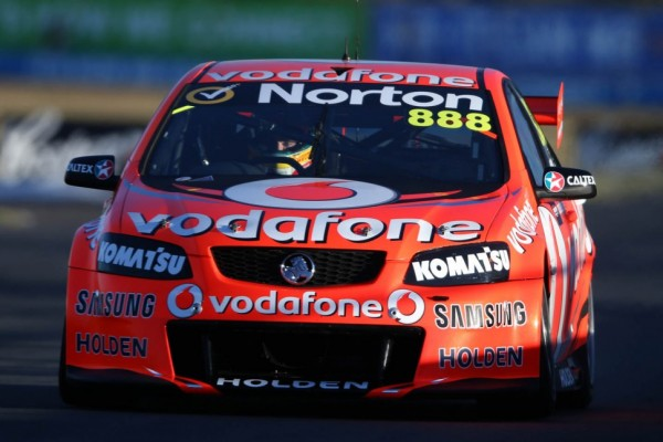 Lowndes and Luff take win in Sandown 500