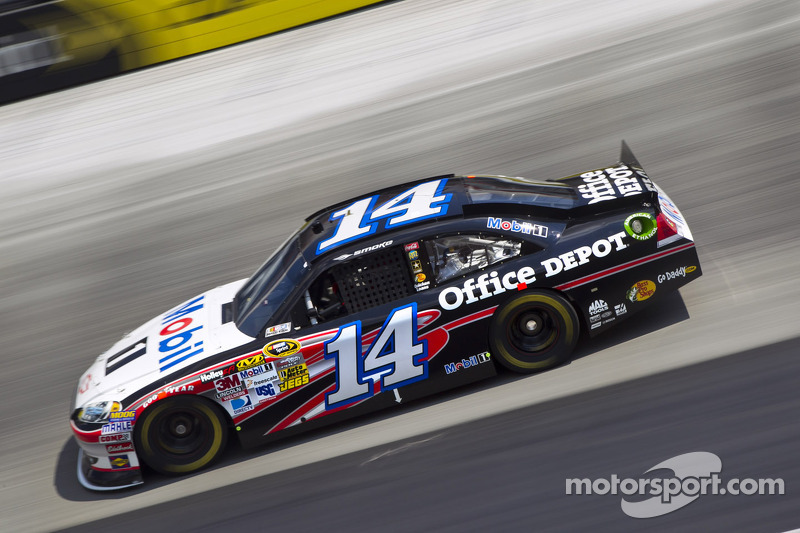 Tony Stewart always rock solid at Loudon fall race