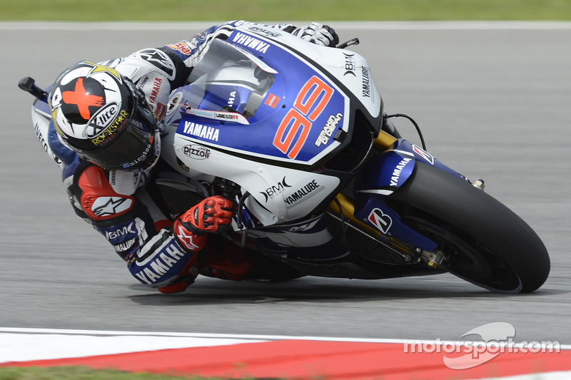 Late push from Lorenzo sets new qualifying record at Sepang
