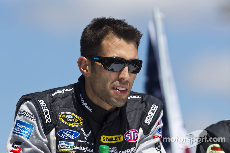 Almirola aims for another top-10 at Martinsville