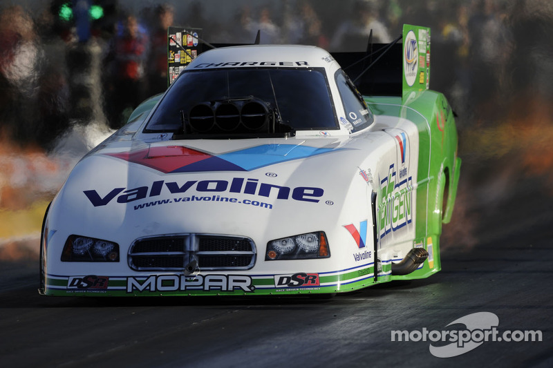 Beckman maintains four-point lead heading to finale