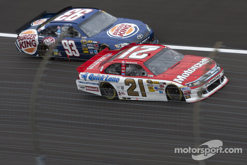 Bayne soldiers through handling problems to finish 22nd in Texas 500