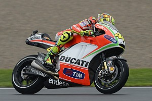 MotoGP Race report Valencia weather changes affect Rossi's final Ducati ride