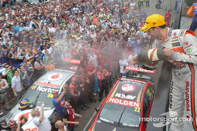 TeamVodafone celebrates second consecutive 1-2 championship finish - video