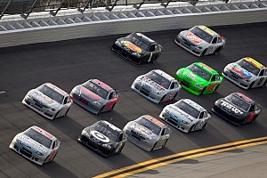 NASCAR Sprint Cup Preview Fans get early peak at Daytona action during Preseason Thunder