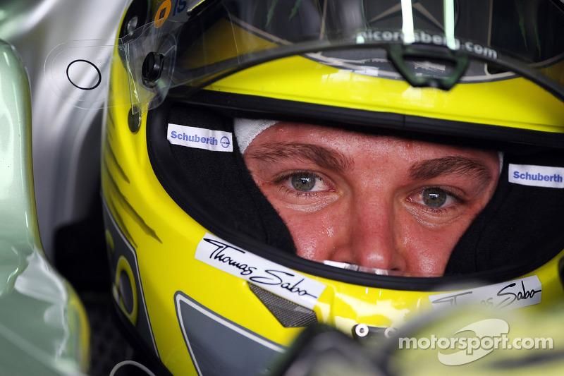 Rosberg, not Hamilton, to debut new Merc