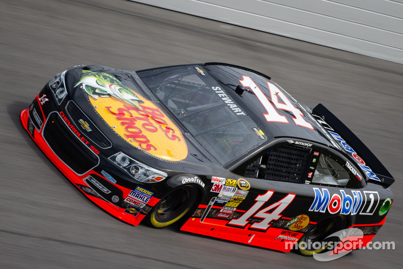 Stewart sixth in Duel at Daytona