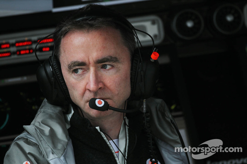 Mercedes-bound Lowe to miss 2013 opener - report
