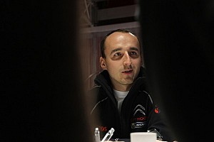 Kubica testing in Mercedes' F1 simulator - report