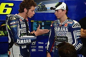 Yamaha's Lorenzo fights to the end in Jerez
