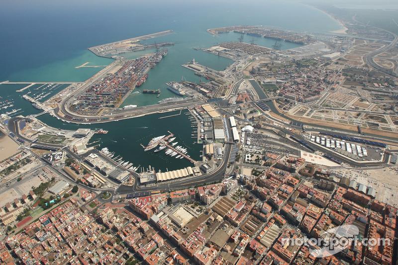 Barcelona boss doubts alternation deal close