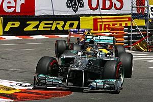 Hamilton hits back at Vettel's 'silver buses' jibe