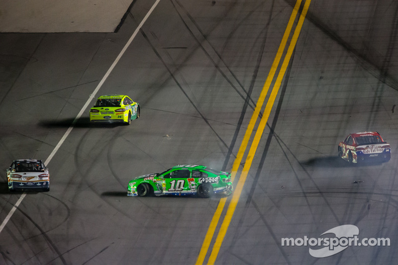 Patrick finishes 14th in Daytona 400