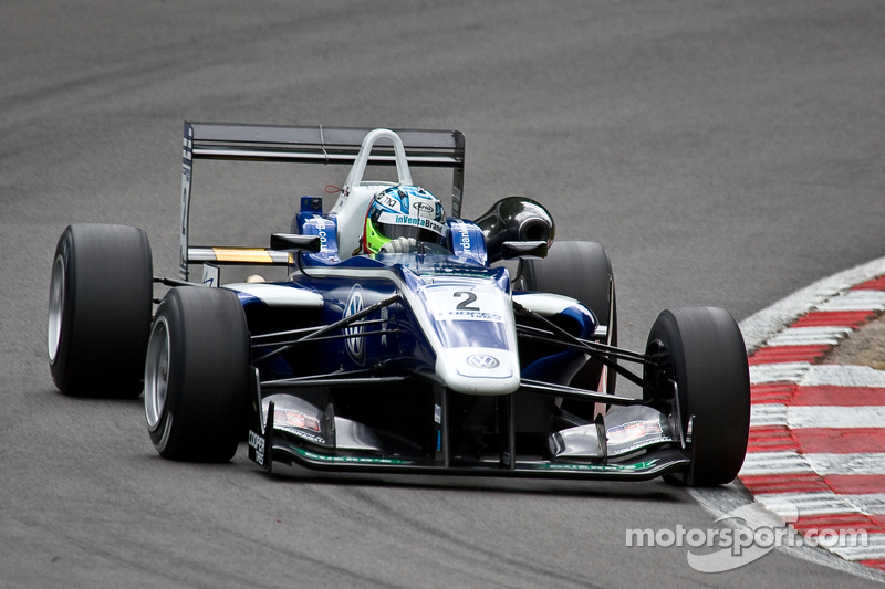 Jaafar doubles up as King takes control in the points