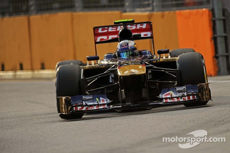 Ricciardo thinks he beat Vergne in pressure stakes