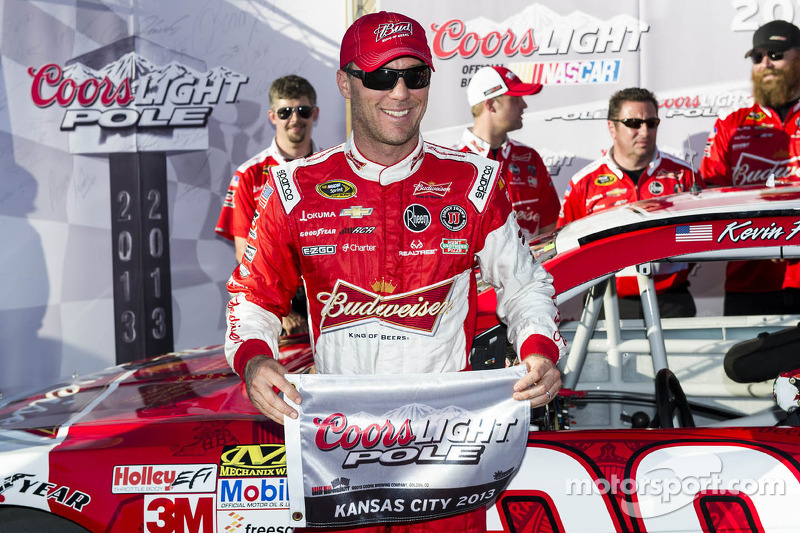 Harvick breaks pole drought at Kansas