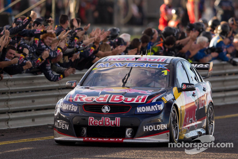 Whincup sends clear message at Bathurst 1000