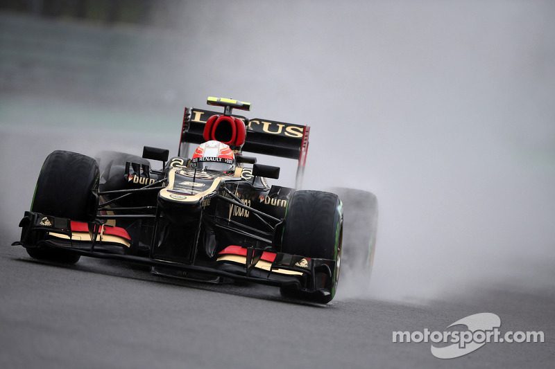 Grosjean plays down reports of 2014 Lotus car delay