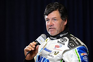 Michael Waltrip begins his quest for a third Daytona 500 victory